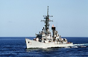 USS Hoel (DDG-13) underway at sea on 1 November 1987 (6432848).jpg