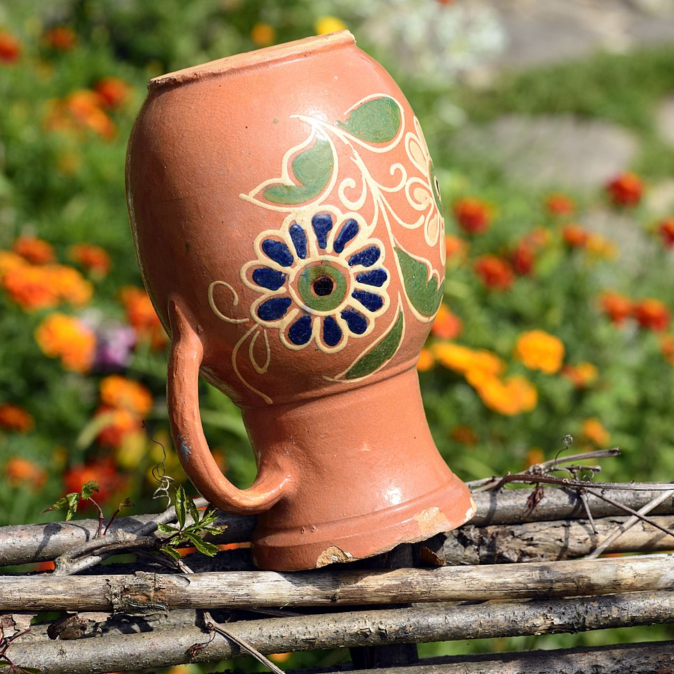 Ukrainian pitcher 01