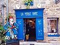 Un magasin au centre-ville de Concarneau.jpg