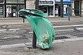 Une poubelle dans le vent.jpg