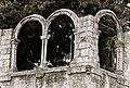 Urban monument building remains (5926859542).jpg