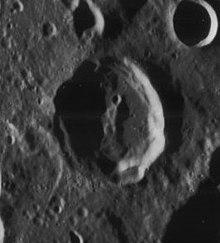 尤里陨石坑