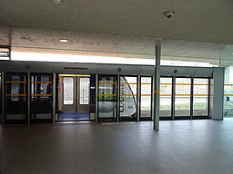 VAL 208 à quai au terminal 3