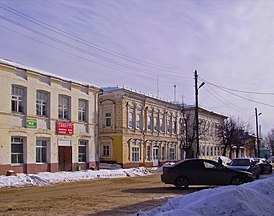 Vetluga. Heritage housing at Lenin Street beginning.jpg