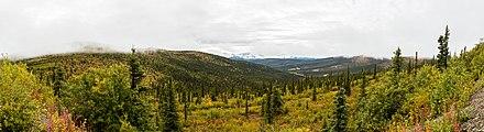 Vista desde la Autopista de la Cima del Mundo, Yukón, Canada, 2017-08-28, DD 50-53 PAN.jpg