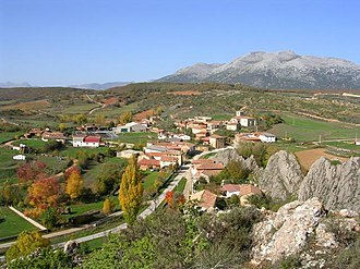 Dehesa de Montejo - Panoramic view of Colmenares de Ojeda  town, in Dehesa de Montejo.