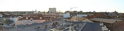 Vista panorámica de la Torre de Éboli de Pinto, Madrid, por encima de los tejados (04-04-08).jpg
