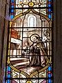 Vitrail dans l'une des chapelles sud (Eglise de Vieux).jpg