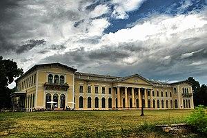 Fót - Image: Volt Károlyi kastély (7023. számú műemlék)