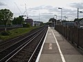 Walton on Thames stn eastbound look west.JPG