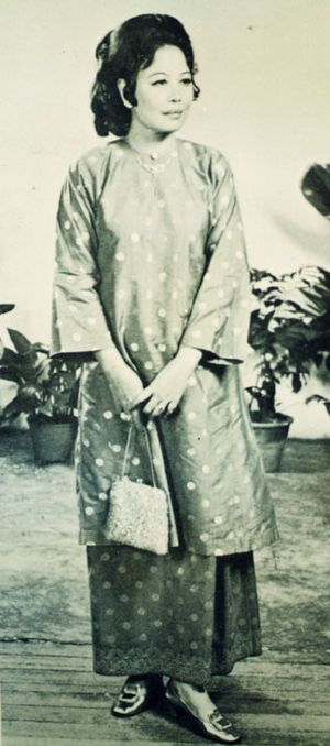 Kedahan Malay people - Kedahan Malay woman in traditional attire, 1930.