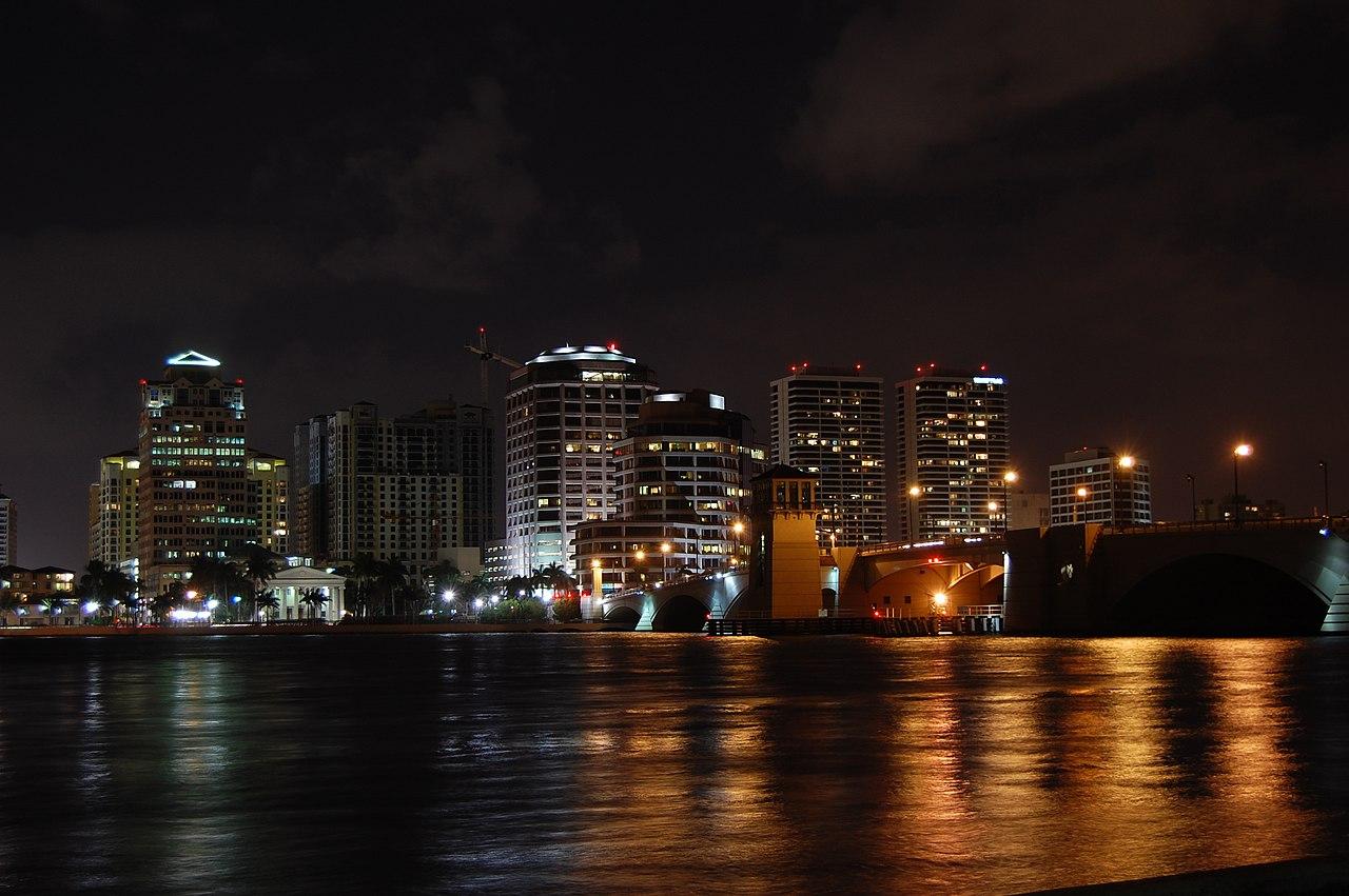 File West Palm Beach Skyline Night Jpg Wikimedia Commons