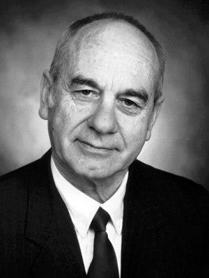 Winston L. Shelton - Image: Winston Laverne Shelton Portrait
