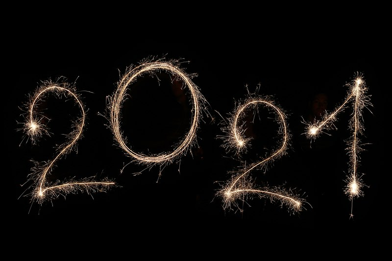 2021 spelled out in sparklers