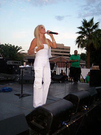 Yuri (Mexican singer) - Image: Yuriatla