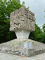 Złota Góra - pomnik.jpg