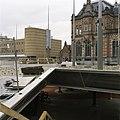 Zicht op het stationsgebouw, in het midden de bloemenkiosk - Groningen - 20389370 - RCE.jpg