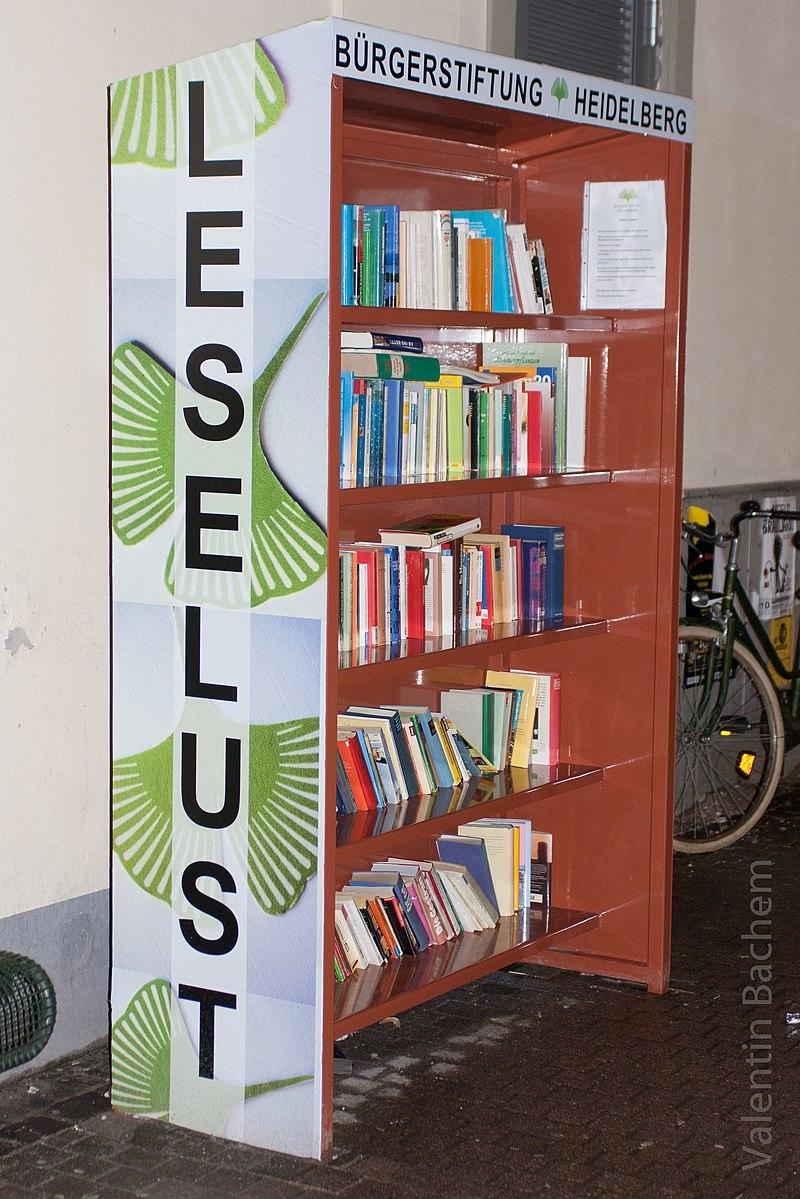 Öffentliches Bücherregal in Heidelberg-Altstadt