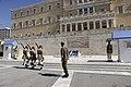 Στιγμιότυπο αλλαγής φρουράς στο Μνημείο Αγνώστου Στρατιώτου στο Σύνταγμα.jpg