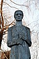 Пам'ятник 120 воїнам-односельчанам, загиблим на фронтах ВВв с. Строїнці, скульптура Мати, фрагмент.jpg