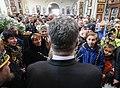 Президент Петро Порошенко у Соборі Архистратига Михаїла в Маріуполі.jpg