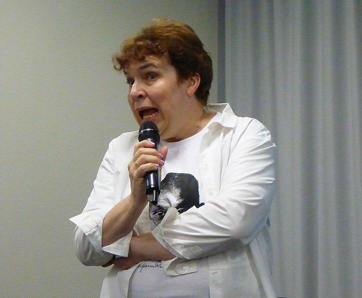 Файл:Тамара Эйдельман читает в Ельцин-центре про гражданское сопротивление 17 января 2020 года.jpg