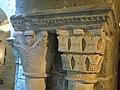 089 Monestir de Sant Benet de Bages, capitells del claustre, galeria sud.jpg