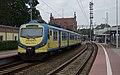 09.05.18 Opole Główne EN57-1730 (41558318414).jpg