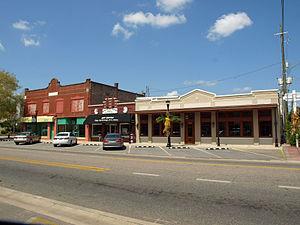 Foley, Alabama - Image: 100s W Laurel Ave Foley Sept 2012 01