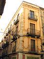190 Casa Amèlia Pi, c. Sant Pere 7, cantonada c. Besalú.jpg