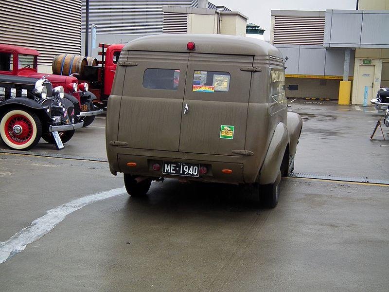File:1940 Chevrolet panel van (8450382578).jpg