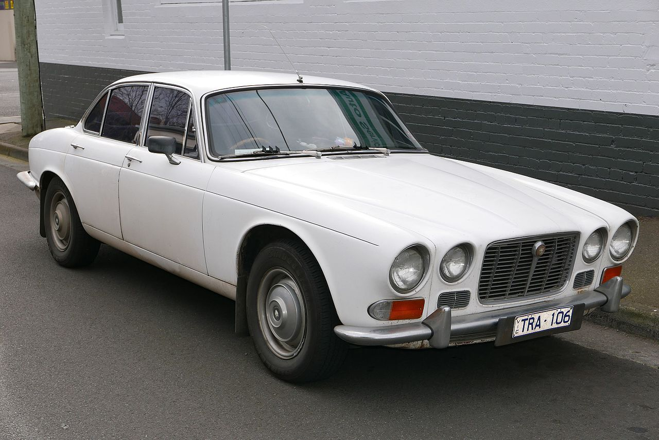 1973 Jaguar XJ6 (Series I) 4.2 SWB sedan (2015-08-02