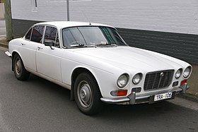 1973 Jaguar XJ6 (Series I) 4.2 SWB sedan (2015-08-02) 01.jpg
