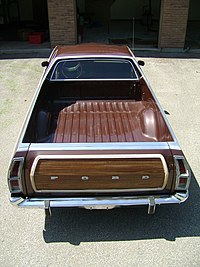 1978 Ford Ranchero Squire Brougham.jpg
