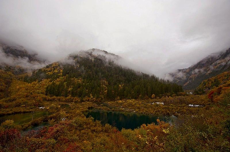 1 jiuzhaigou valley wolong hai huohua hai 2011.jpg