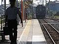 2007-08-26 JR- Yakujin Station,Kakogawa Line JNR103系改造車両 横尾忠則「走れ!Y字路」 8260245.JPG