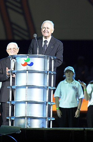 William Deane - Deane at the opening ceremony of the 2000 Paralympic Games in Sydney.