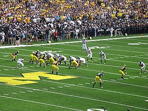 20100904 Michigan Defense vs. Connecticut.jpg