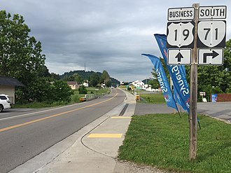 Special routes of U.S. Route 19 - View south along US 19 Bus. at Little Cedar Creek in Lebanon