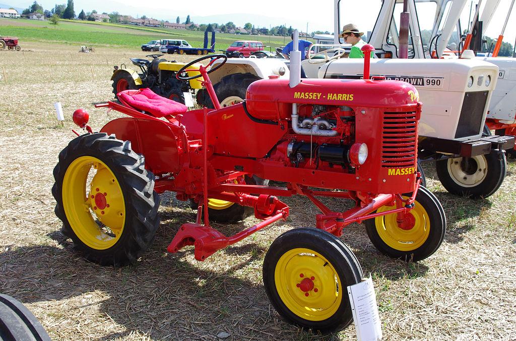 File 3 me salon des tracteurs anciens moulin de chiblins 18082013 tracteur massy harris - Tracteur ancien miniature ...