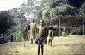 ASC Leiden - van Achterberg Collection - 1 - 043 - En route vers Kribi. Cinq enfants d'un établissement Bagyeli - Bipindi, Cameroun - 6-12 février 1997.tif