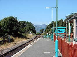 A view to the north from Llwyngwril Station - geograph.org.uk - 1109135.jpg
