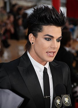 Adam Lambert at the 2010 SAG Awards.jpg