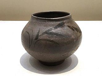 Karatsu ware - Karatsu ware E-karatsu style fresh water container, reeds design. Momoyama period, early 17th century
