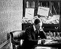 Alberto Santos Dumont em seu apartamento - 1-13664-0000-0000, Acervo do Museu Paulista da USP.jpg