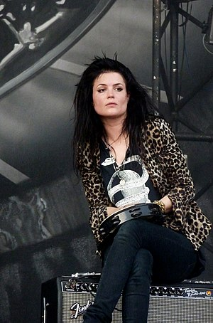 Alison Mosshart - Performing in July 2010.