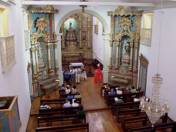 Altar da Igreja de Nossa Senhora do Rosario e São Benedito2.jpg