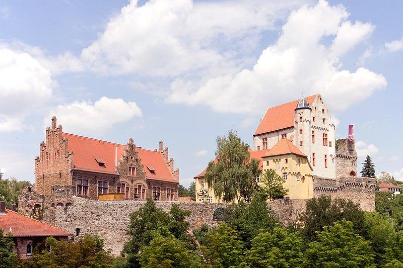 File:Alzenau - Burg Alzenau - 2360.jpg