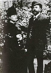 Dvořák with his wife Anna in London, 1886 (Source: Wikimedia)
