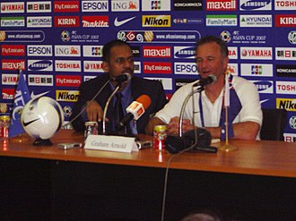 Graham Arnold - Arnold (right) in 2007